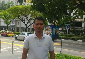 Jurnalis inibalikpapan.com, Setiyono Adi, yang tengah berada di Singapura (foto : istimewa)