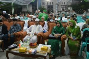 Hj. Kasriyah dalam satu pertemuan.(foto: ist)