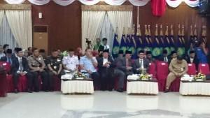 Mantan Walikota Balikpapan tampak hadir di antara para undangan.(andi)
